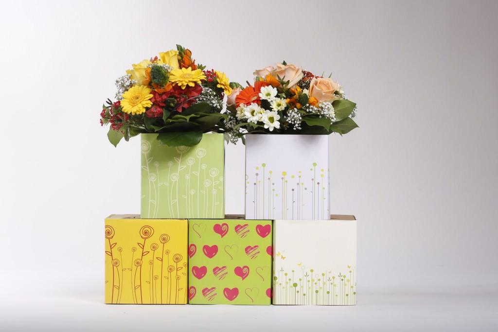 Blumenstrauß mit schicker Vase | Deko & Geschenke im Frühling