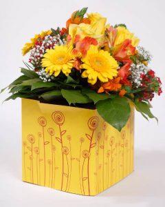 Nie wieder nach einer Vase suchen. Der erste Blumenstrauß der sein Wasser und seine Vase gleich mitbringt.