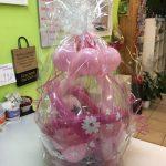 Ballongeschenkverpackung Ballongeschenk zum 1. Geburtstag in rosa.