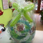 Ballongeschenkverpackung Ballongeschenk zum Geburtstag in blau-grün-weiß.