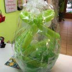 Ballongeschenk zum 50. Geburtstag in grün. Ballongeschenkverpackung
