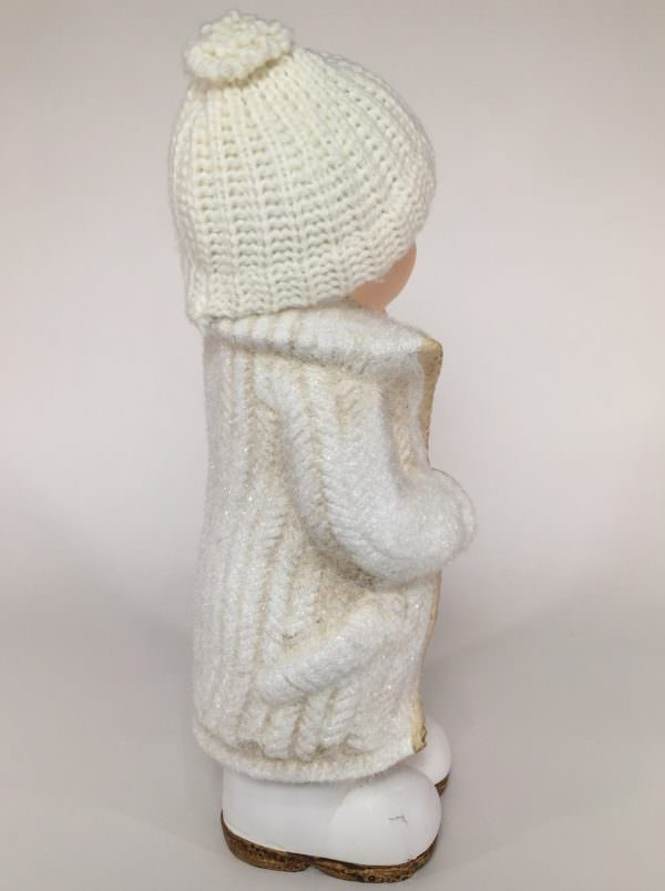 Deko Winterkind Junge mit Wollmütze